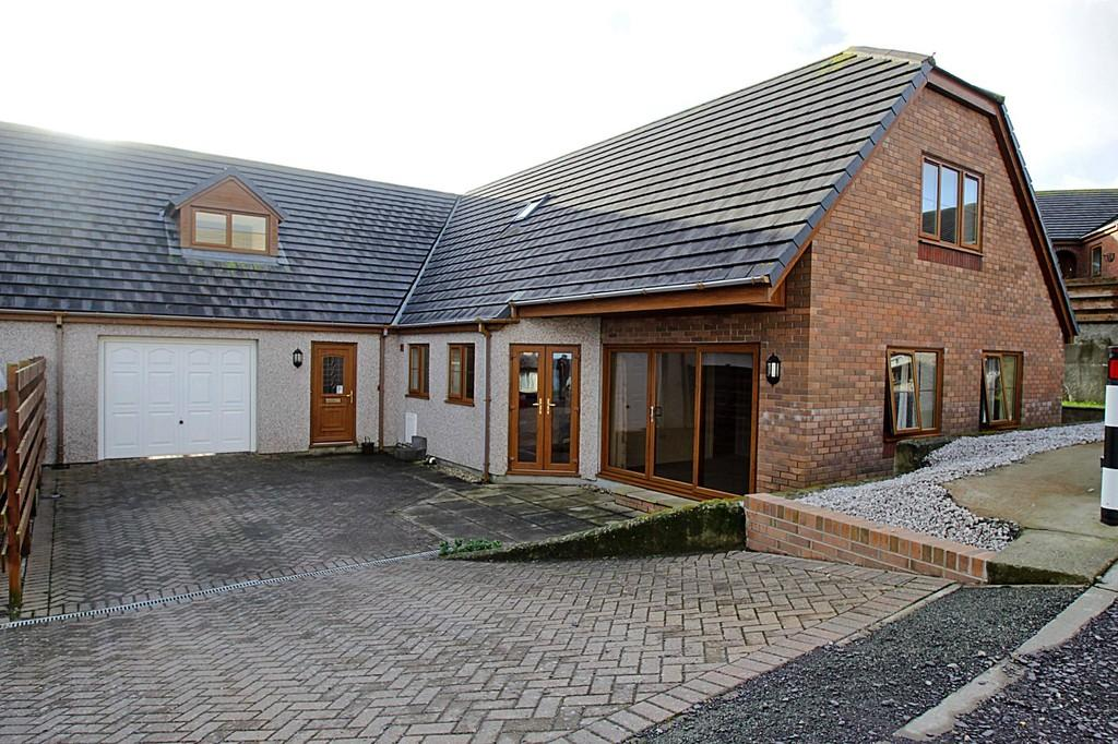 5 Bedrooms Link Detached House for sale in Bull Bay, Anglesey, North Wales