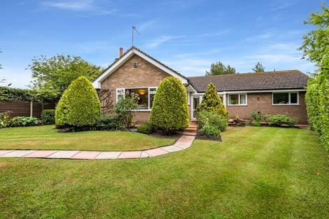 3 bedroom detached bungalow for sale - Gravel Lane, Southport