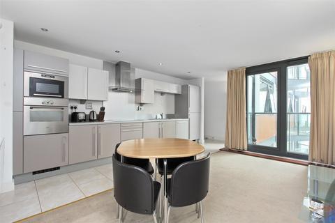 2 bedroom flat to rent - Proton Tower, 8 Blackwall Way, London, E14