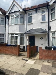 5 bedroom semi-detached house to rent - Babington Road, London