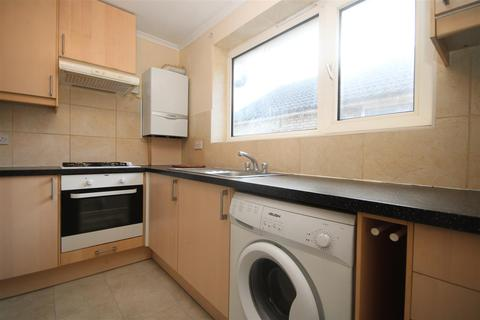 3 bedroom flat to rent - Red Lion Road, Surbiton