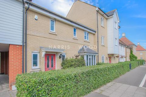 3 bedroom semi-detached house for sale - Lordswood Road, Colchester, CO2