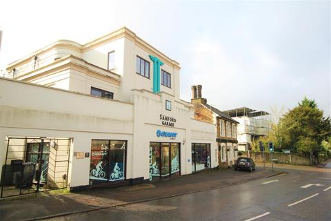 Studio to rent - Epsom Road, Guildford