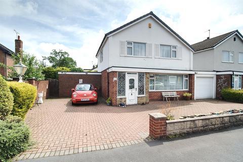 3 bedroom detached house for sale - Dolespring Close, Forsbrook,