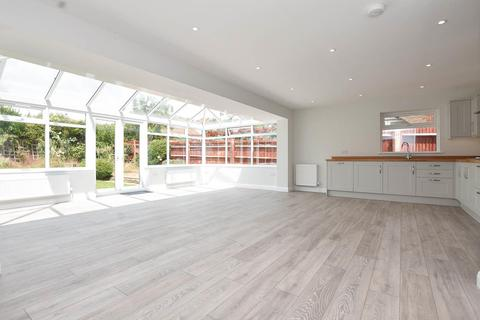3 bedroom detached bungalow for sale - Friston Avenue, Eastbourne
