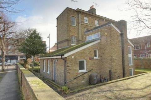 2 bedroom maisonette to rent - Jonathan Court, London Road, Enfield
