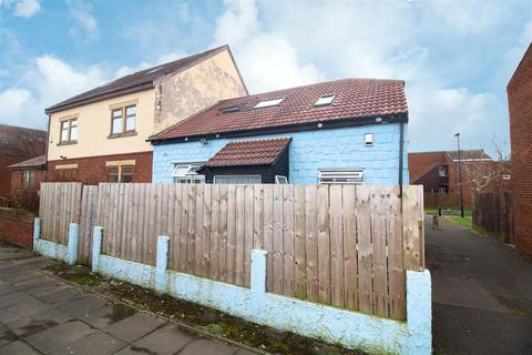 2 bedroom detached bungalow - River View, Tynemouth