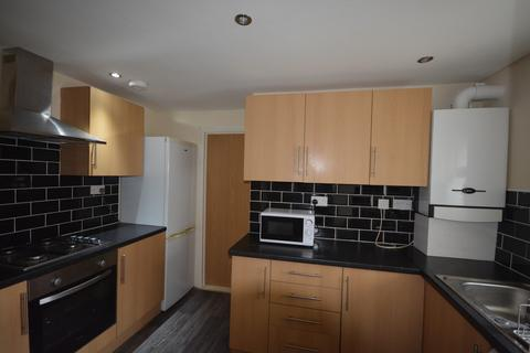 3 bedroom house to rent - 3 bedroom Flat Student in Central Swansea