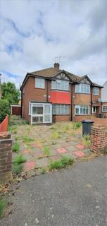 4 bedroom semi-detached house to rent - Staines Road, T