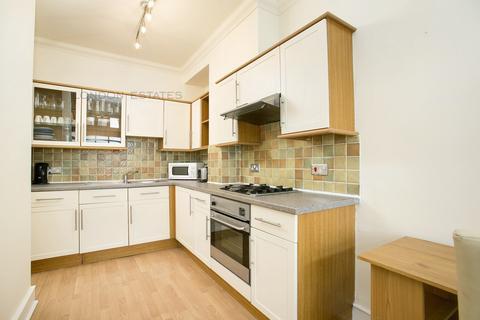 2 bedroom flat - Dalling Road, Hammersmith, W6