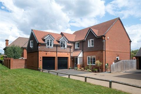 5 bedroom detached house to rent - Meadowbrook, Woolton Hill, Newbury, Hampshire, RG20