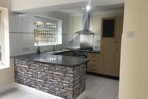 3 bedroom semi-detached house to rent - Salisbury Close, Princes Risborough, HP27