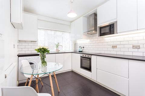 2 bedroom flat - Green Lanes, London, N8