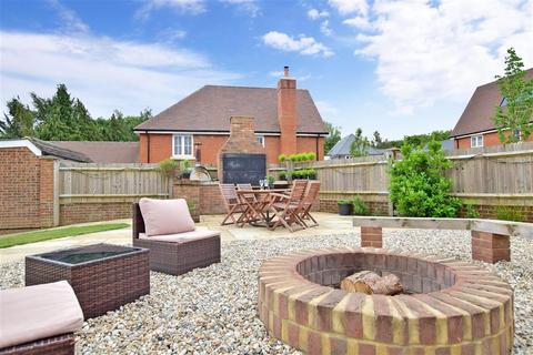 4 bedroom detached house for sale - Burton Avenue, Leigh, Tonbridge, Kent