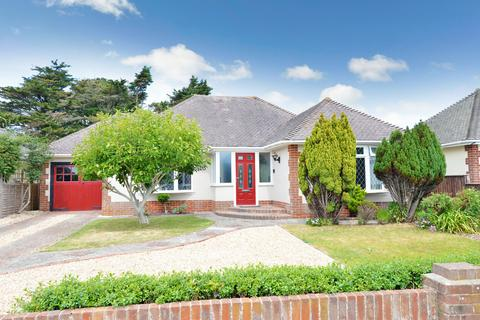 3 bedroom detached bungalow for sale - Solent Drive, Barton On Sea, New Milton