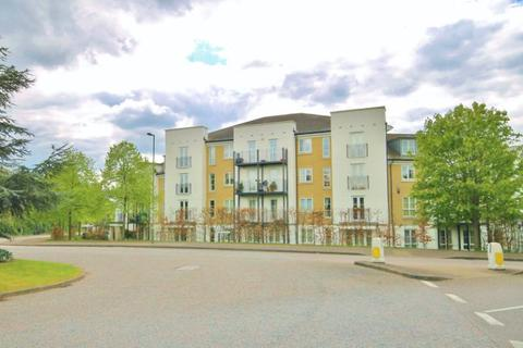 2 bedroom apartment to rent - Tudor Way, Knaphill, Surrey, GU21