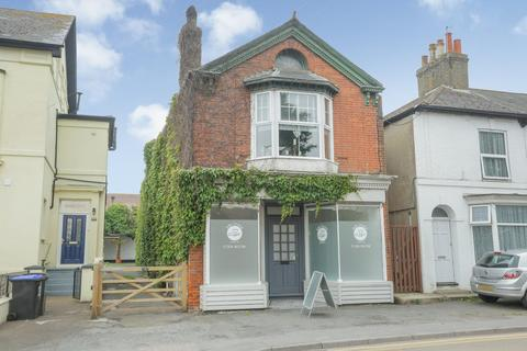 4 bedroom character property for sale - London Road, Deal