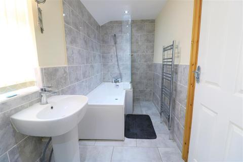 2 bedroom apartment to rent - Holderness Road, Hull, HU9 2EU