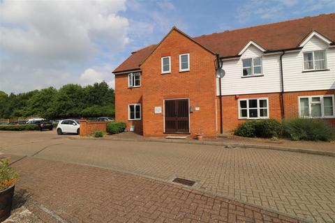 2 bedroom flat for sale - Shearers Way, Boreham, Chelmsford