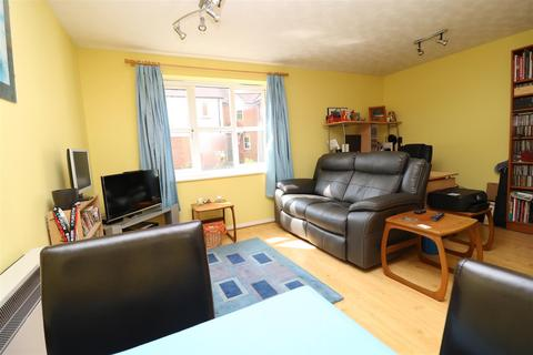 2 bedroom flat for sale - Shearers Way, Boreham, Chelmsford