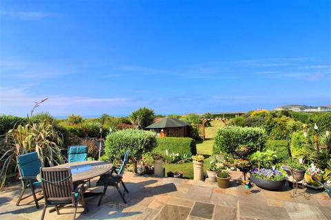 3 bedroom detached bungalow for sale - Marine Drive, Bishopstone, East Sussex