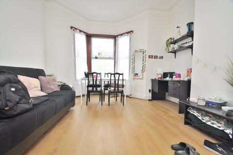 4 bedroom flat to rent - Upper Tollington Park, Finsbury Park