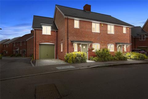 3 bedroom semi-detached house for sale - Wilfred Waterman Drive, Springfield, Chelmsford, Essex, CM1