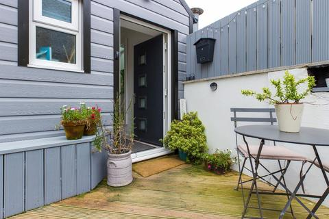 2 bedroom flat for sale - Mumbles Road, Mumbles, Swansea, SA3 4EA