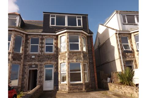 Studio to rent - Bay View Terrace, Newquay