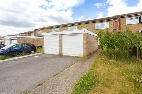 2 bedroom terraced house for sale - Adelphi Crescent, Hornchurch, RM12