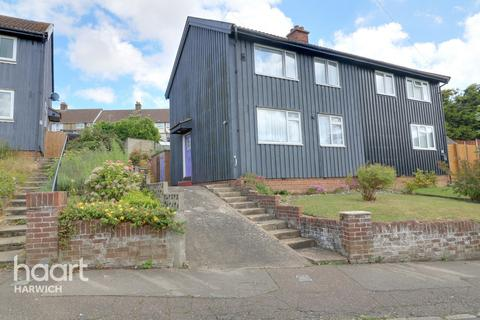 3 bedroom semi-detached house for sale - Norway Crescent, Harwich
