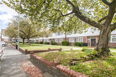 2 bedroom apartment to rent - Radcliffe Square, Putney, SW15