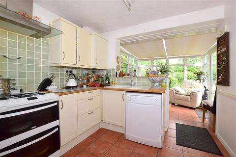 2 bedroom detached bungalow for sale - Beckenshaw Gardens, Banstead, Surrey