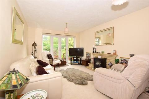 2 bedroom detached bungalow for sale - Beckenshaw Gardens, Banstead, Surrey
