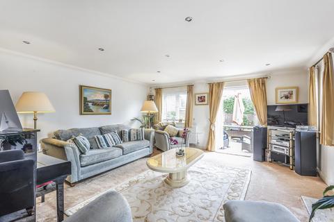 3 bedroom semi-detached house for sale - Lancaster Gardens, Bickley