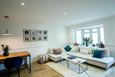 2 bedroom end of terrace house for sale - Westward Road, Chingford