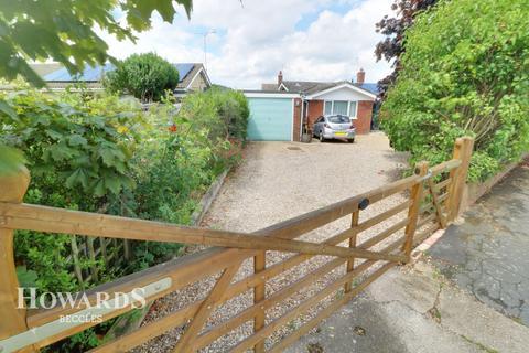 2 bedroom detached bungalow for sale - Hillside Avenue, Beccles