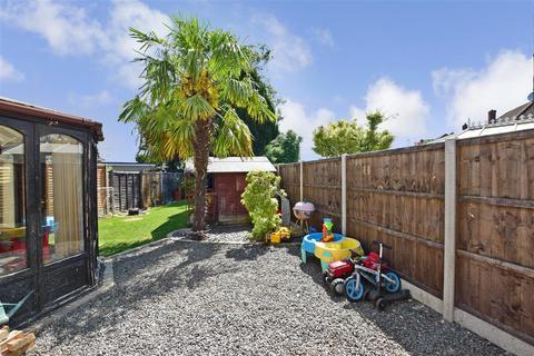 3 bedroom semi-detached house for sale - Nottingham Avenue, Maidstone, Kent