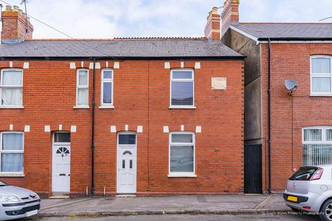 2 bedroom end of terrace house for sale - 89 Queens Road, Penarth, CF64 1DH