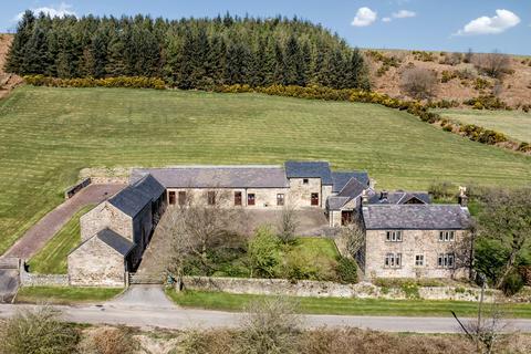 5 bedroom farm house for sale - Harewood Road, Holymoorside