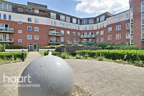 2 bedroom flat to rent - Regency Court, South Woodford, E18