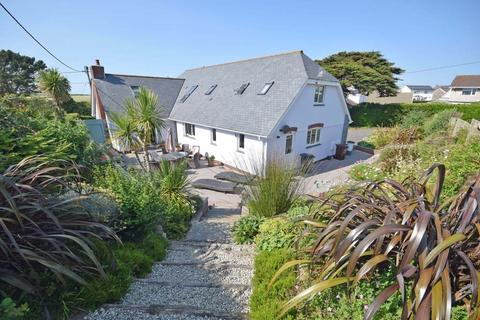 4 bedroom detached house for sale - Trevarrian, Nr. Mawgan Porth, Cornwall