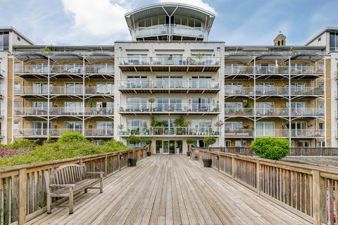 1 bedroom flat for sale - Regatta Point, 38 Kew Bridge Road, Brentford, Middlesex