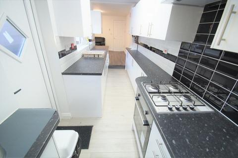 5 bedroom end of terrace house to rent - Nicholls Street, Coventry, CV2 4GY
