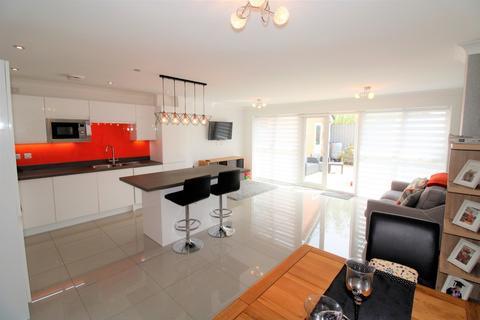 3 bedroom semi-detached house for sale - Magnolia Way, Blackpool, FY4