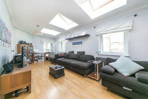 2 bedroom terraced house to rent - Blyth Close, Island Gardens, E14