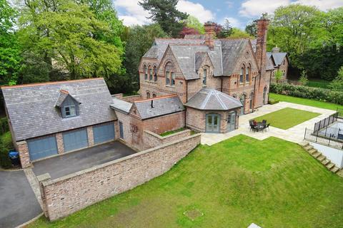 5 bedroom detached house to rent - Dunham Road, Bowdon, Altrincham