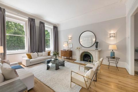 4 bedroom flat for sale - Queen's Gate Gardens, South Kensington, London