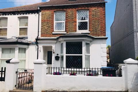 3 bedroom semi-detached house for sale - Winstanley Crescent