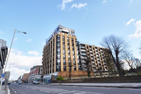 1 bedroom apartment to rent - Ilford High Road, NEW BUILT 1 BEDROOM FLAT WITH BALCONY -  FREE HIGH SPEED WIFI - £1250pcm